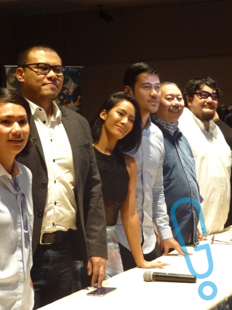 (Tiga di tengah) Joko Anwar, Tara Basro, dan Chicco Jerikho di acara jumpa pers 'A Copy of My Mind' di Plaza Indonesia XXI, Rabu (3/2) (Foto: Genmuda.com/2016 Gabby)