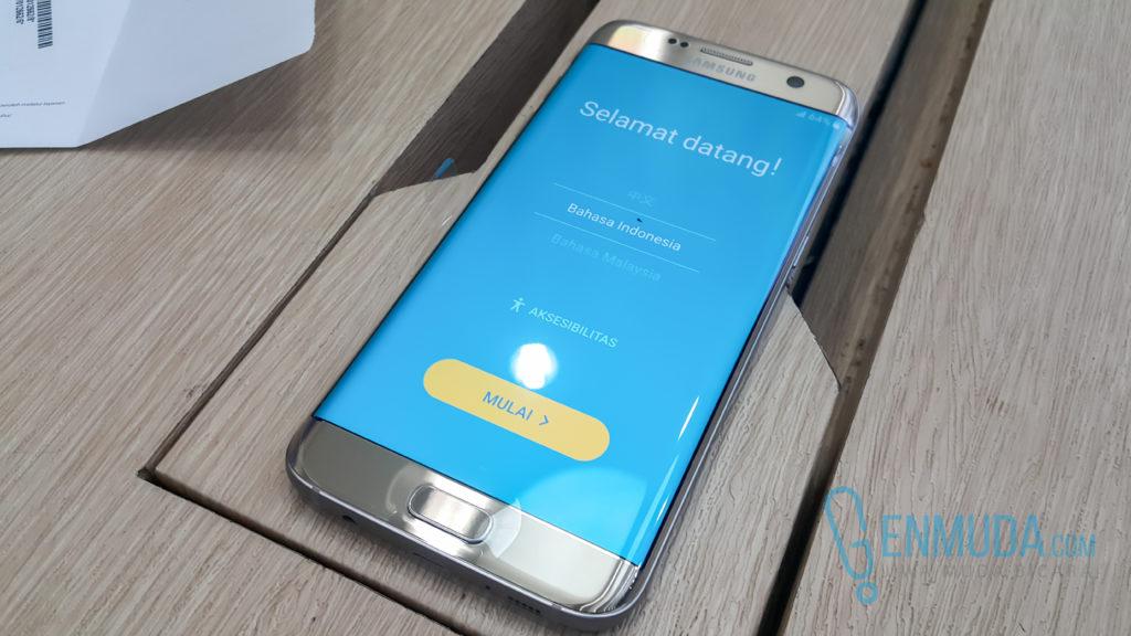 Samsung Galaxy S7 Edge Welcome Screen (c) Genmuda.com/Sari Muda