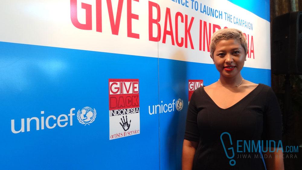 Dira Sugandi saat ditemui di acara peluncuran kampanye 'Give Back Indonesia' di kediaman Madam Noor Traavik di kawasan Sudirman, Jakarta, Jumat (22/4) (Foto: Genmuda.com/2016 Gabby)