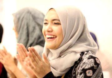 senyum manis hijaber cantiks