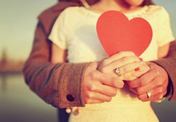 Couple-love-hugs-and-romance-photos