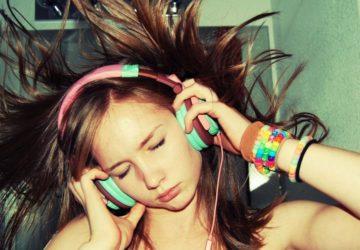 manfaat denger musik keras