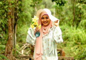 hijaber di hutan