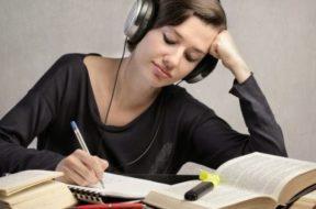 mendengarkan-musik-meningkatkan-kecerdasan