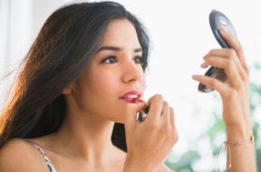 applying_makeup(1)
