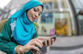 Smartphone Hijab